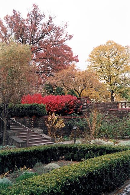 2008-11-02-mellon-park-herb-garden-02