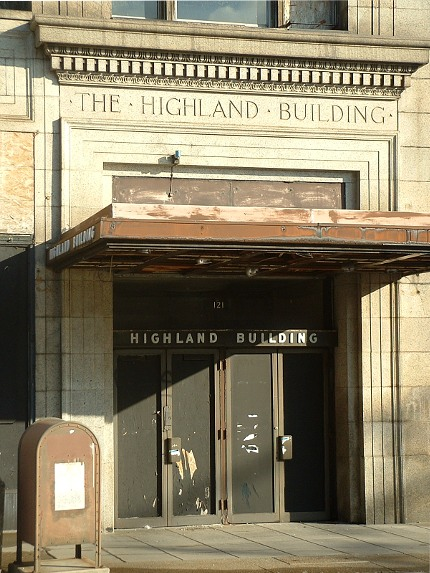 2009-02-01-highland-building-01