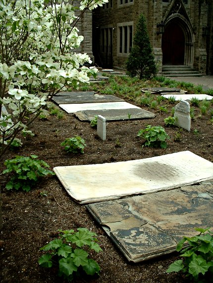 2009-05-02-trinity-churchyard-05