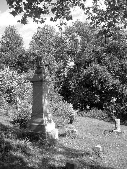 Beechview-German-Cemetery-2009-10-03-01-bw
