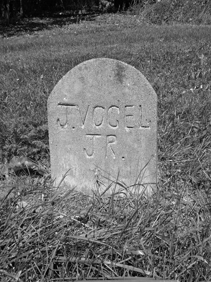 Beechview-German-Cemetery-2009-10-03-03-bw