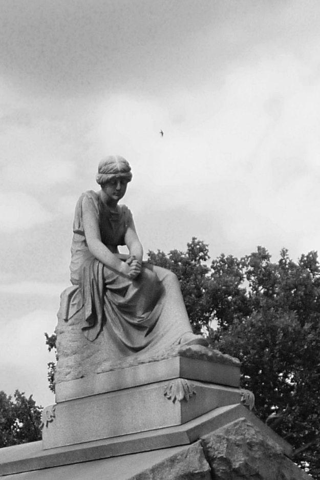 2013-08-10-Carrick-cemetery-08-bw