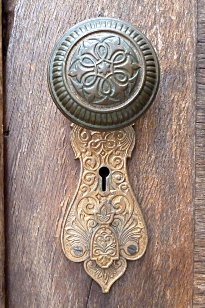 2013-08-13-Allegtheny-West-Doorknob-01