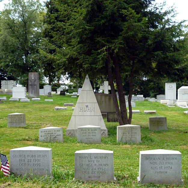 2013-08-18-Allegheny-Cemetery-Huhn-01