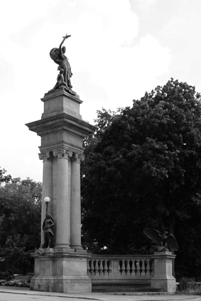 2013-09-02-Highland-Park-02bw